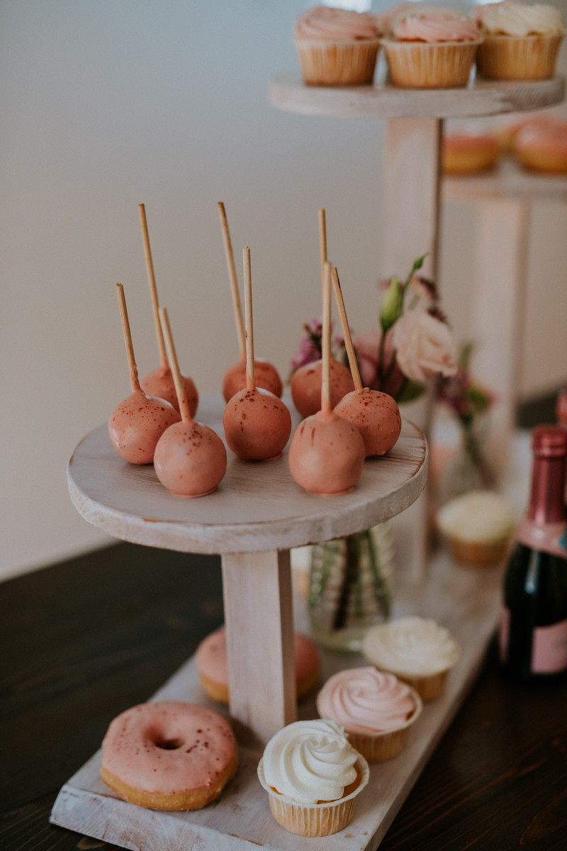 wedding_showroom_brides_and_donuts-14