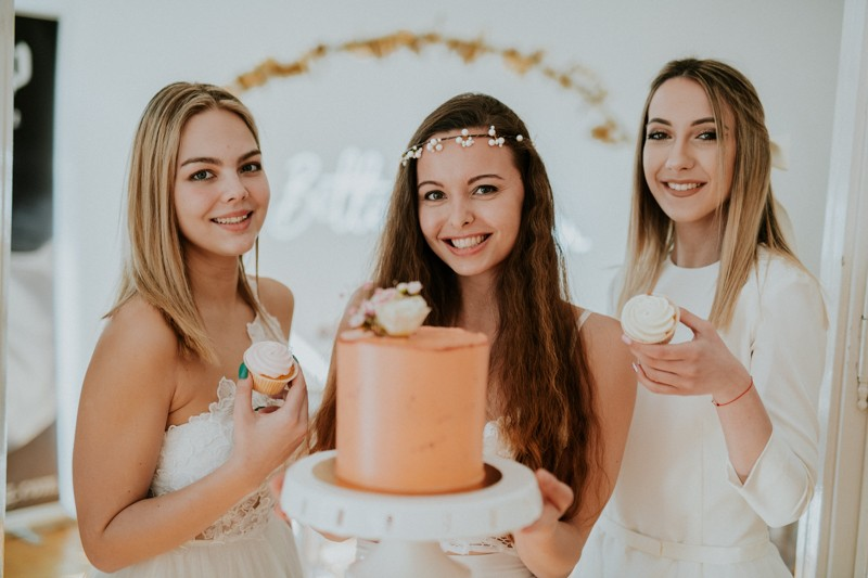 wedding_showroom_brides_and_donuts-62